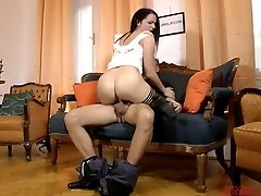Brown-haired Kittina Loves Having Dirty Lovemaking With Old Fart
