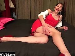 Usawives Solo Matures Penny Jones Plaything Getting Off