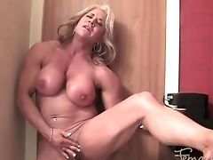 Female Bodybuilder Is Naked, Masturbating Her Big Two-inch Pleasure Button