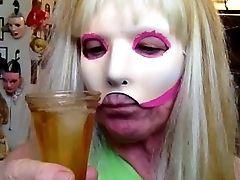 Honey Ice & Pee Drink