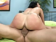 Mummy Lexxi Ward Gives Suck Job Like No Other And Hard Dicked Bang Friend Knows It