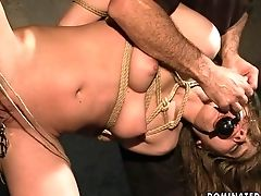 Black-haired Asks Hot Fellow To Insert His Pole In Her Mouth