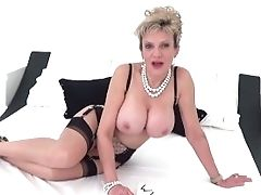 Your Huge-boobed Stepmom Lady Sonia Helps You Wank