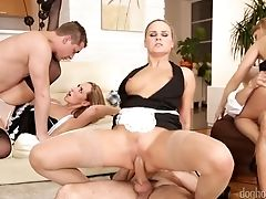 Enticing Stunner Jenny Simons Arranges Dirty And Xxx Group Orgy At Home